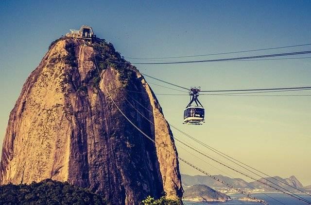 conocer un morro en brasil